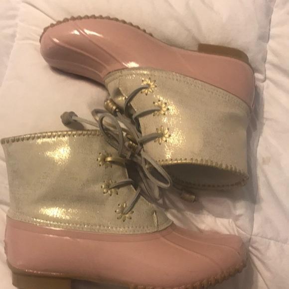 a50d4dc01da Jack Rogers Chloe Rain Boot- Pink Metallic